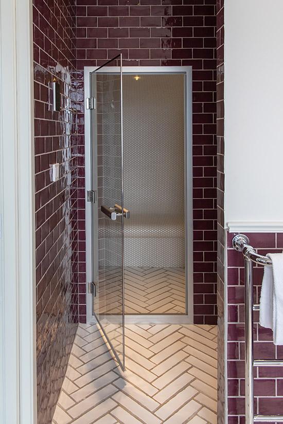 badrum med ångbastu